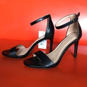A New Day NWT strap heels in black, size 6